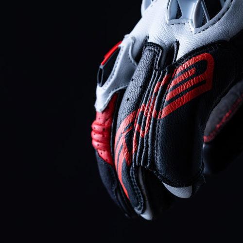 FIVE_RFX2_black_red_2020_focus_04